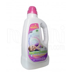 مایع شوینده لباس نوزاد رنگ سفید مالوچسکا