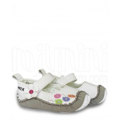 خريد اينترنتي سيسموني نوزاد کفش دخترانه سفید بغل گلدار مکس Mexx نوزادی، نی نی لازم فروشگاه اینترنتی سیسمونی